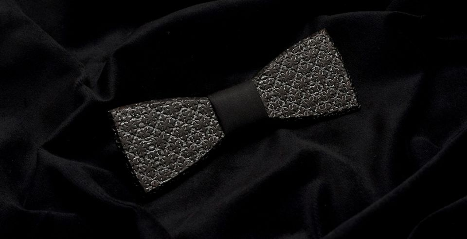 Wooden bow tie Taurum elegant