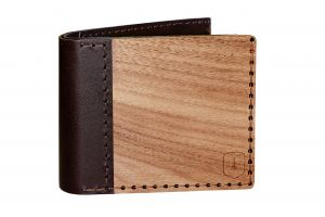 product_picture_with_woden_wallet_virilia
