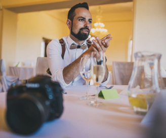 BeWooden - 10 rules How to choose a wedding photographer