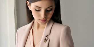 Wooden brooches - elegant accessories with the magic of nature