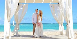 BeWooden - A wedding in the Caribbean? The dream of every bride!