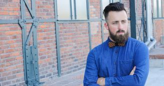 BeWooden - Holiday bow ties: how to stay gentle during the holiday