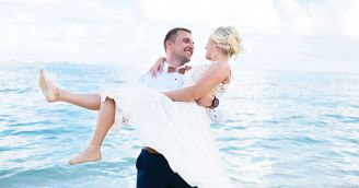A wedding on the beach of an exotic paradise