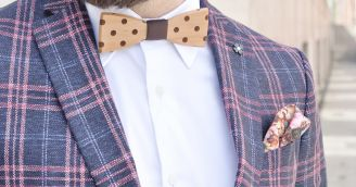 Functionality: Wooden bow tie, a playful accessory for a modern gentleman