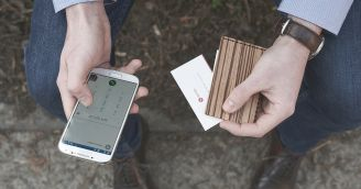 Functionality: Wooden wallet and cardholder for true gentlemen