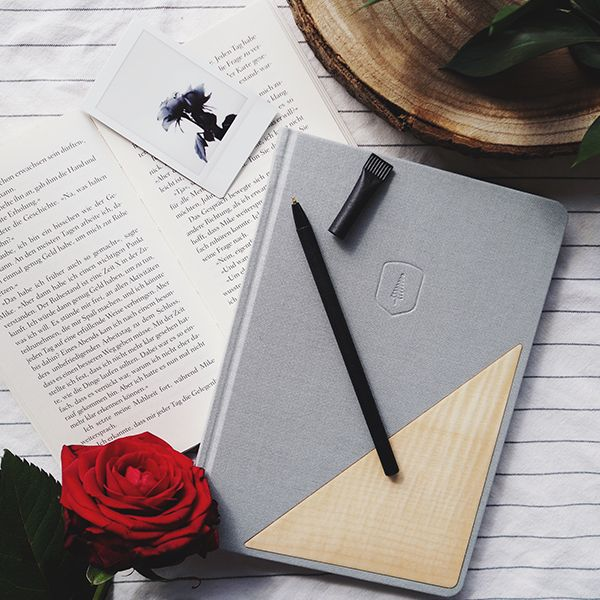 The grey Lux notebook with wooden detail