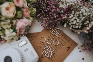 A combination of old and new - the modern vintage wedding