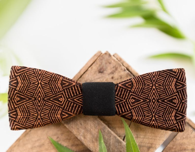 Wooden bow tie for the modern gentleman