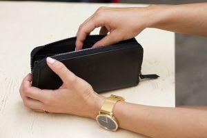 Nox Woman Zipper Wallet